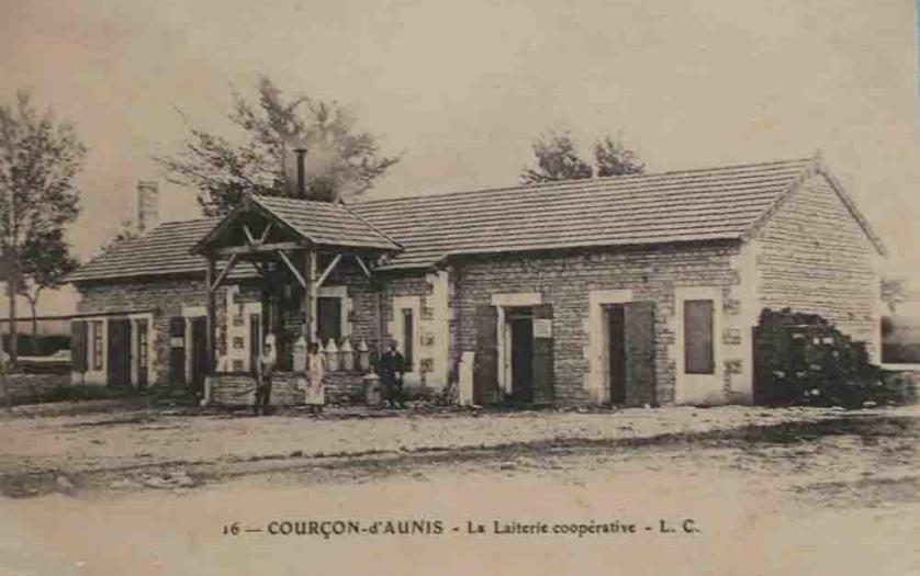 17-Courçon d'Aunis 2 (Laiterie Coopérative)