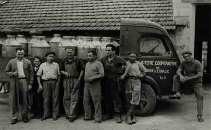 17 port d envaux employes 1960 photo archdep17
