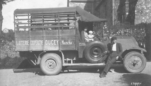 50-Ducey-laiterie (ramassage lait)